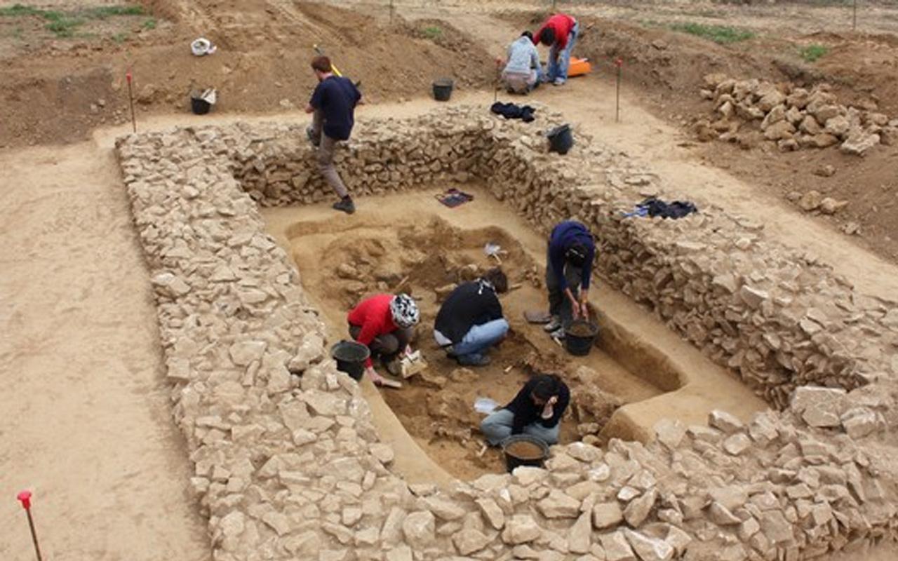 Fouilles-archéologiques