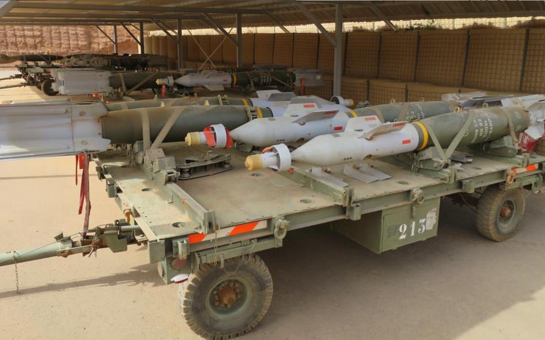stock-armee-francaise-gbu-12